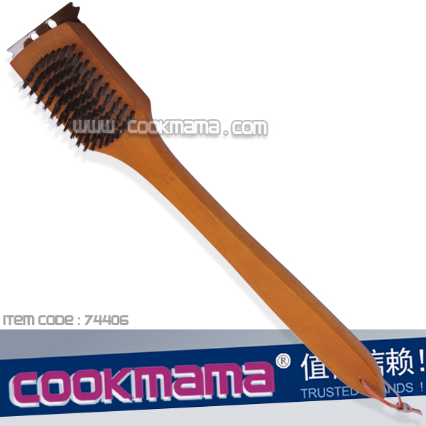 "18""(46cm)wood handle grill cleaning brush"
